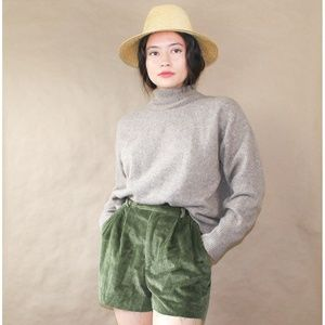 SOLD vtg 70s forest green high waisted cord shorts